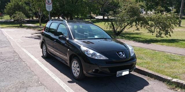 Peugeot 207 SW XR 1.4 8V Flex