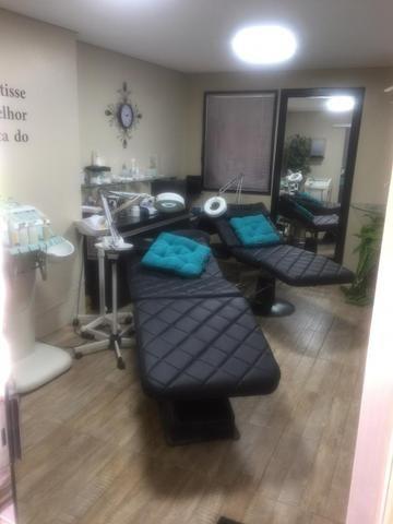 Aluga espaço para Cabelereira, manicure , podólogo e podóloga