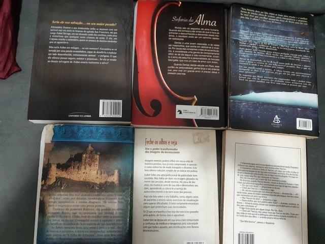 Lote de livros Diversos - Foto 2