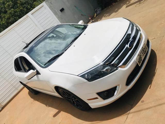 Ford Fusion V6 branco pérola carro para pessoas exigentes