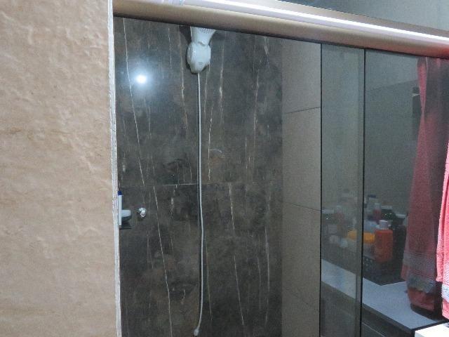 Vendo casa de 2 andares 350,000 no centro de santa maria de jetiba Espirito santo - Foto 14