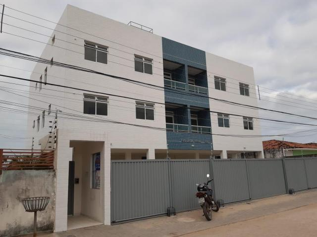 Belíssimo apto c 2 quartos, 1 suíte, 48 m² por R$ 129.000 - José Américo JP/PB