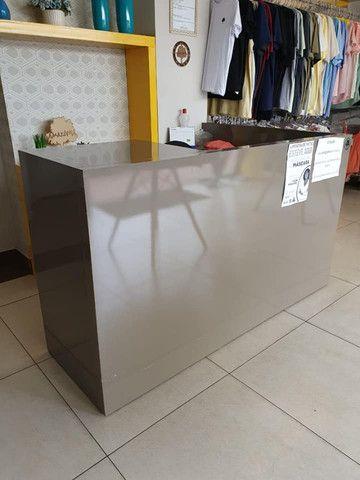VENDO URGENTE Móvel caixa + Estante de nichos