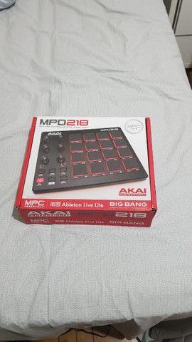 Akai MPD 218 Midi Pad Controller - Foto 4