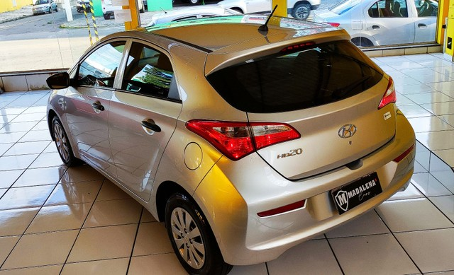 Impecável Hyundai HB20 1.0 completo e com 1 ano de garantia - Foto 2