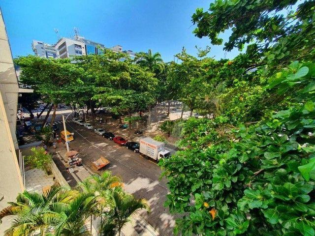 Copacabana neo-clássico. 3 quartos e home-office no melhor ponto do bairro por 1.3Mi. Impe - Foto 3