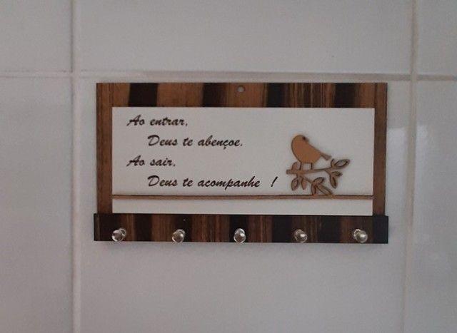 Porta Chaves Decoração Parede Porta Cartas Madeira - Foto 4
