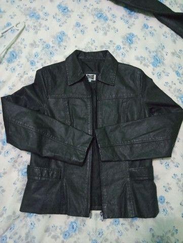 Jaqueta de couro legítimo. Tamanho P - Foto 6