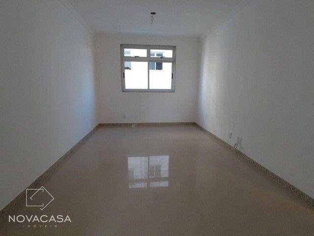 Apartamento com 3 dormitórios à venda, 56 m² por R$ 300.000,00 - Candelária - Belo Horizon - Foto 3