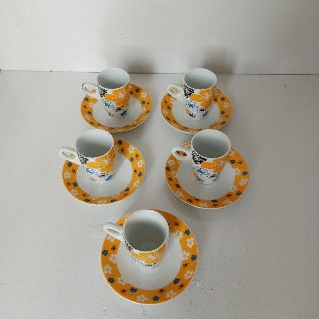 Conjunto 5 Xicaras 60ml De Porcelana Cafe Com Pires - Foto 2