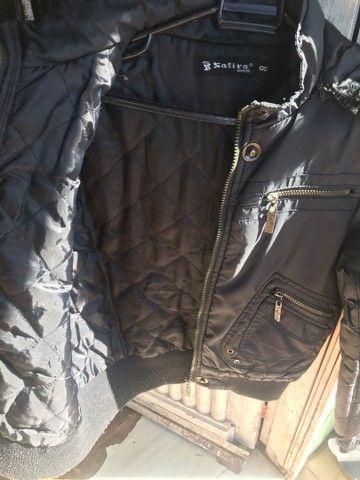 Jaqueta preta de pelinhos tamanho gg serve g  - Foto 3