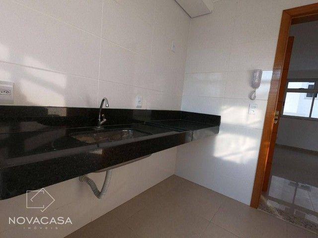 Apartamento com 3 dormitórios à venda, 56 m² por R$ 300.000,00 - Candelária - Belo Horizon - Foto 17