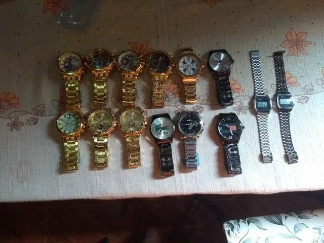 Lindo relógios de 70 a 120 reais