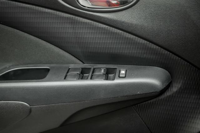 Étios Hatch XLS 1.5 Mec. 2017 - Foto 16