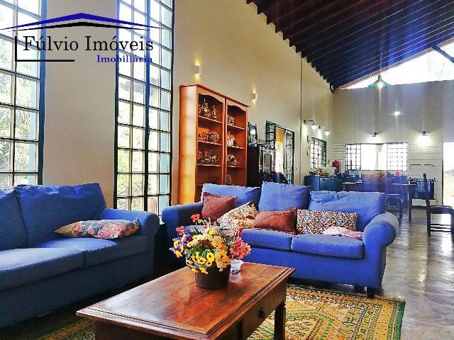 Esplêndida casa em terreno de 2.500m², 4 quartos, área de lazer, no Park Way - Foto 2