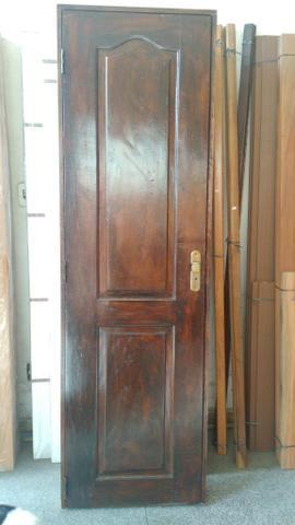 Porta de madeira cópiuba