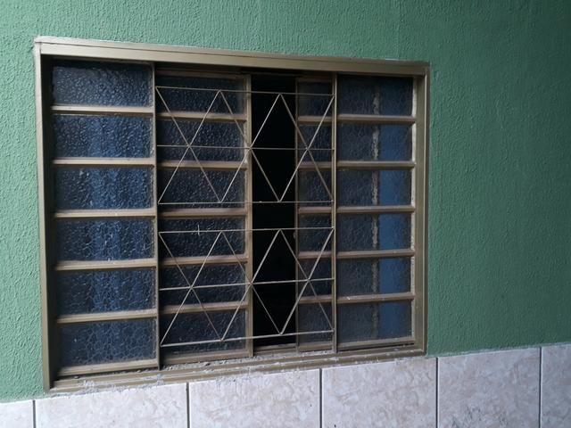 Janelas gravia com vidro