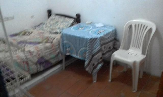Quarto mobiliado individual para moças - Foto 4