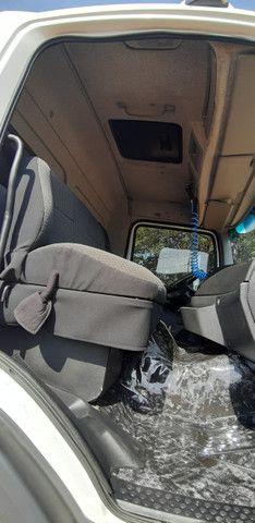 Mercedes Benz MB Atego 2428 bitruck 8x2 carroceria graneleira - Foto 11