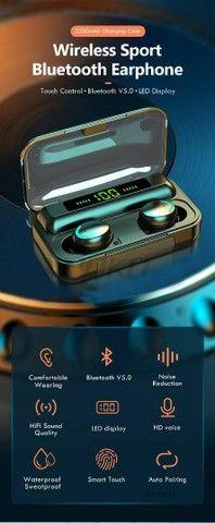 Fones de ouvido bluetooth 5.0 com caixinha carregadora LED - Foto 4