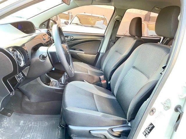Etios Hatch 1.5 Xs  - Foto 8