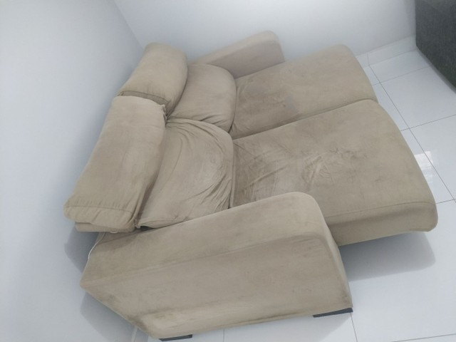 Sofá retrátil e reclinável
