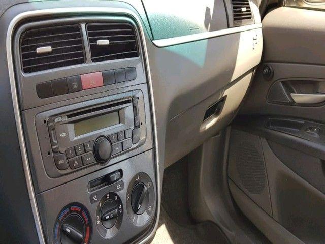 FIAT PUNTO ESSENCE 1.6 16V FLEX - Foto 13