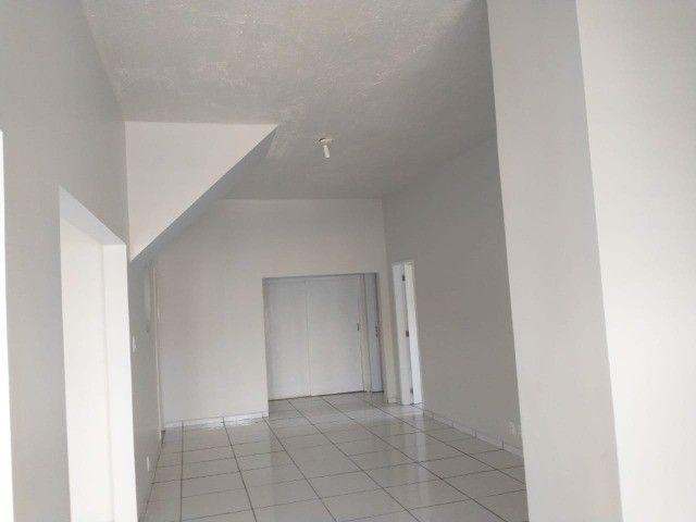 casa térrea e cs primeiro andar cada uma com 2vgs 2 e 4 quatros 1st px praça 12 - Foto 11