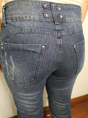 Calça jeans rasgada - Foto 5