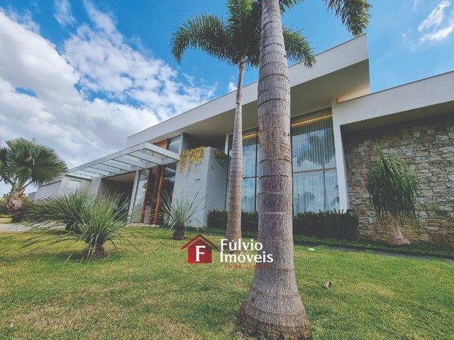 EXCLUSIVIDADE! Casa Luxuosa, Dentro de Condomínio de Alto Nível, 4 Suítes, Lazer Completo  - Foto 4