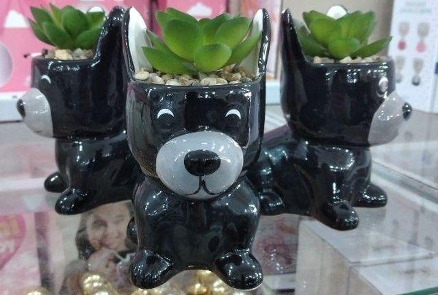 Enfeite Decorativo Cachorrinho feito em cerâmica