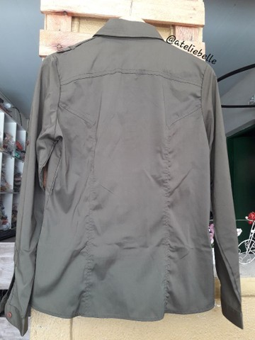 Blusa militar feminina em tecido  - Foto 4