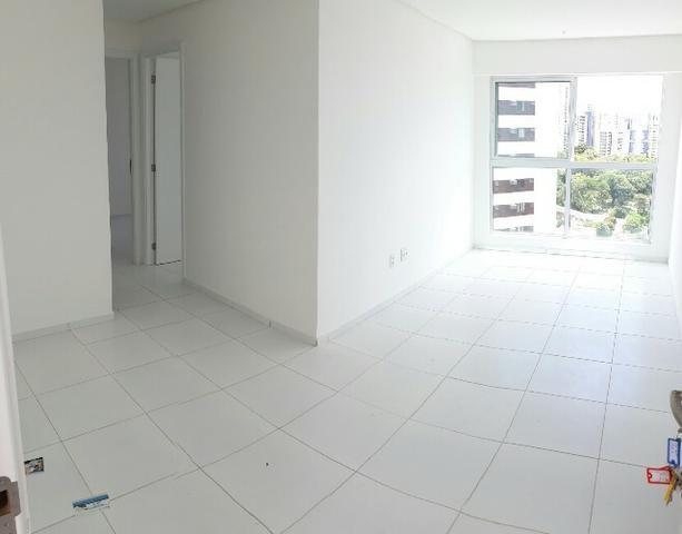 Apartamento 2 quartos próximo à Estrada das Ubaias, Edf. Bosque da Trindade