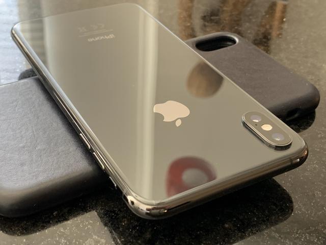 IPHONE XS MAX 256 cinza em perfeito estado - Foto 2