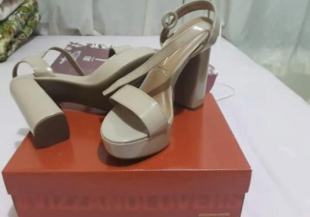 Vendo sandália alta Vizzano - Foto 4