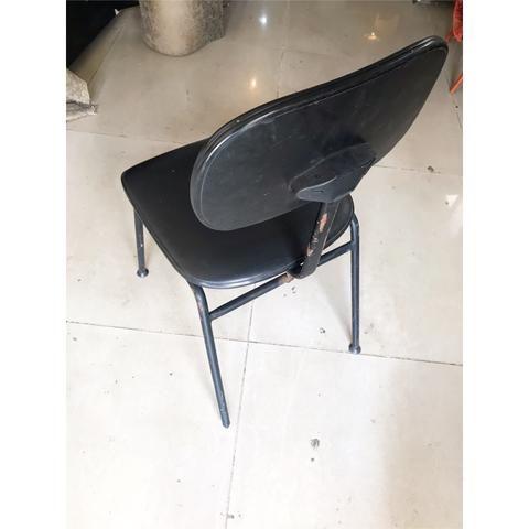 Escrivaninha, Rack para Pc ótimo estado para uso ( acompanha cadeira ) - Foto 5
