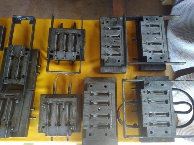 Moldes para injeção de cabos de ferramentas
