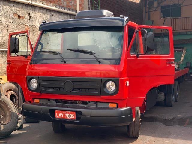 Caminhão Guincho Mecânico Operacional