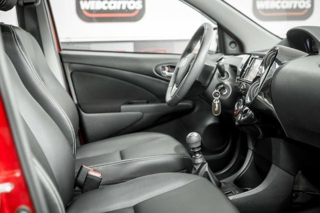 Étios Hatch XLS 1.5 Mec. 2017 - Foto 17