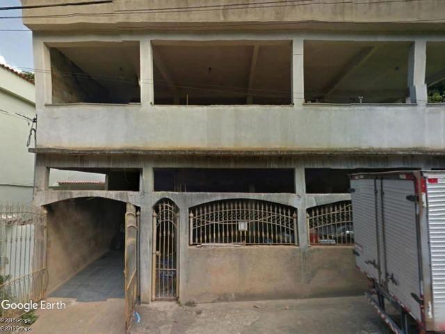 G) jb12409 - Casa com 2 pavimentos na cidade de Itaperuna em LEILÃO