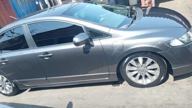 Vendo carro Honda Civic completo em ótimo estado 28.000 zap: *