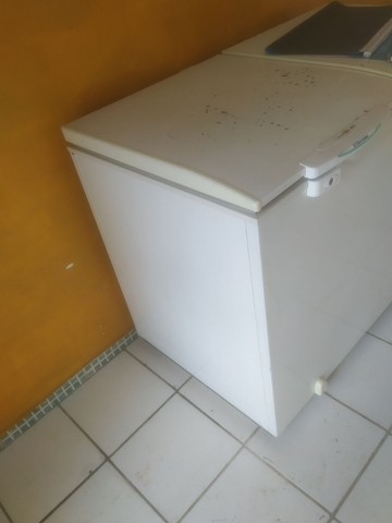 Vende-se essa freezer