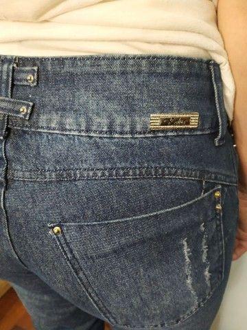 Calça jeans rasgada - Foto 4
