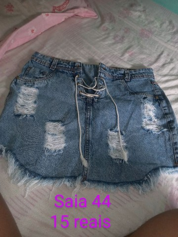 Jardineira jeans e saia  - Foto 2