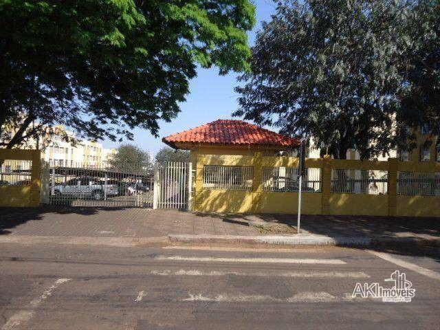 Apartamento com 3 dormitórios para alugar, 64 m² por R$ 900,00/mês - Zona 08 - Maringá/PR - Foto 13
