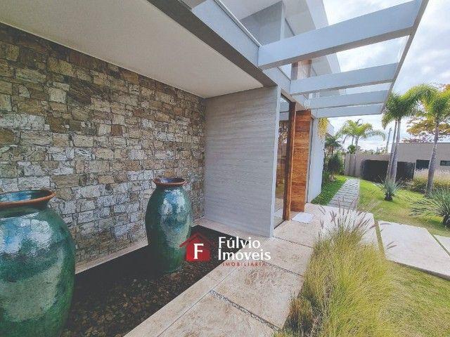 EXCLUSIVIDADE! Casa Luxuosa, Dentro de Condomínio de Alto Nível, 4 Suítes, Lazer Completo  - Foto 5