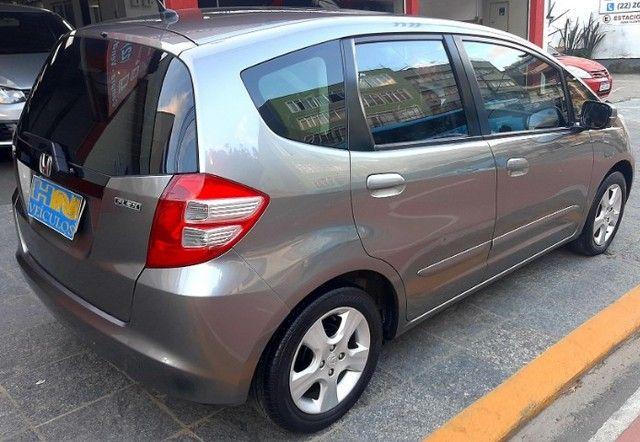 Honda fit LX câmbio manual motor 1.4 flex 4p cinza 2010 77.900km ipva2021pgvist. - Foto 4