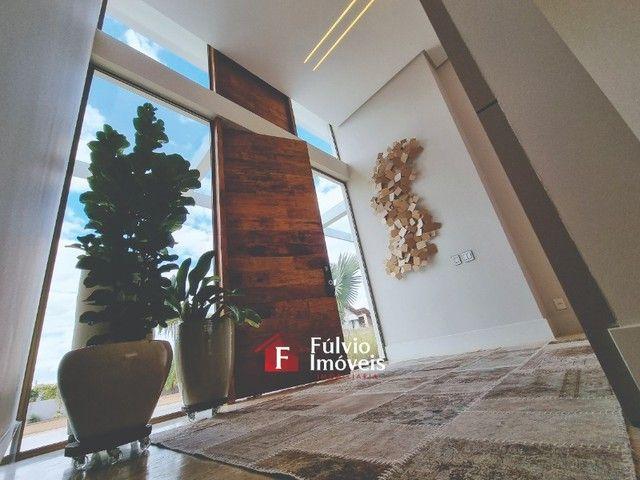 EXCLUSIVIDADE! Casa Luxuosa, Dentro de Condomínio de Alto Nível, 4 Suítes, Lazer Completo  - Foto 7