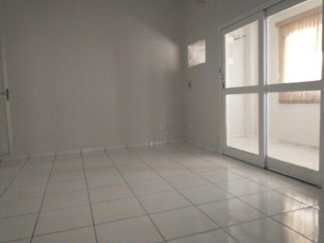 casa térrea e cs primeiro andar cada uma com 2vgs 2 e 4 quatros 1st px praça 12 - Foto 7