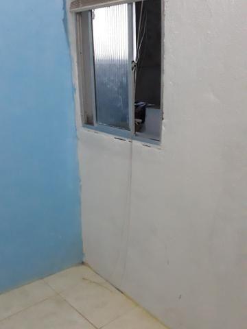 Aluga-se kitnet com 2 quartos - Foto 6